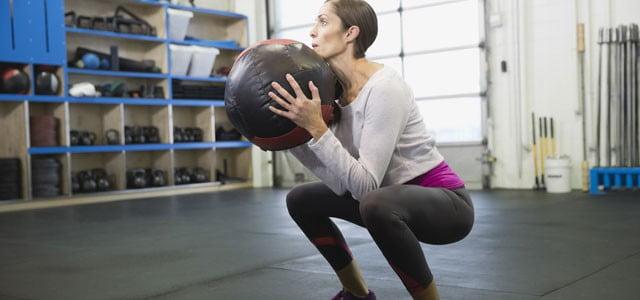 Durerea la genunchi: exerciții recomandate - Doza de Sănătate