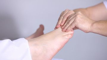 Sfătuiți unde să tratați artrita. Contraindicații: