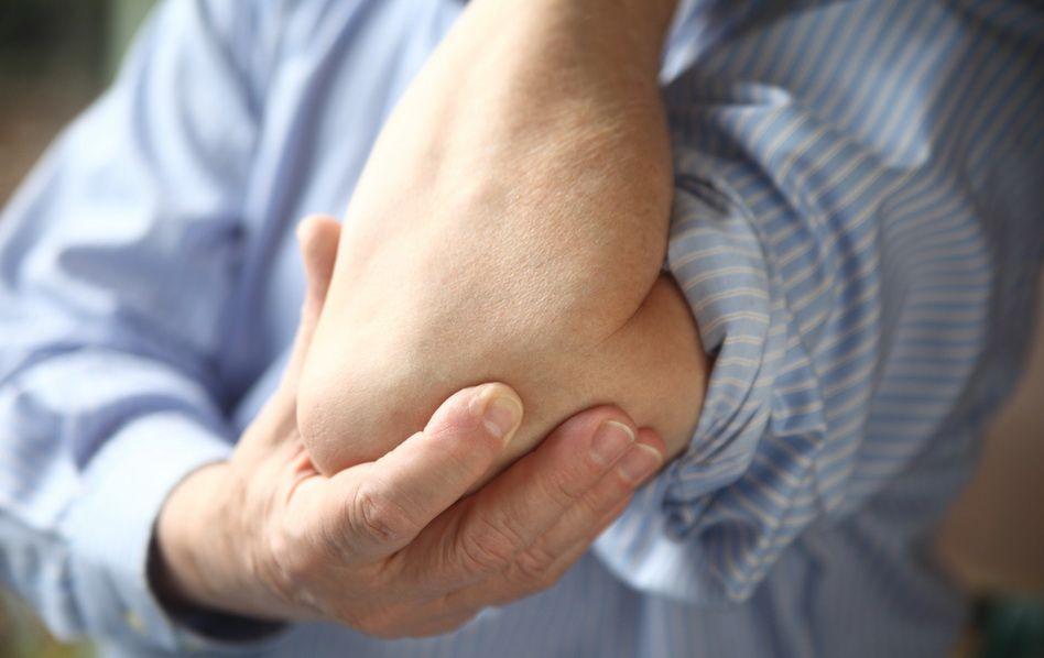 artrita cotului este