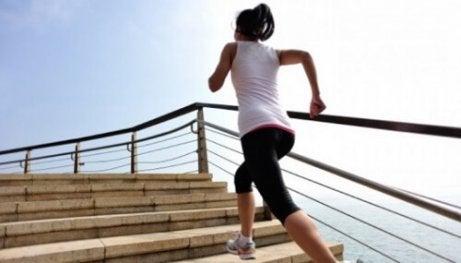 Durerile de genunchi – 4 cauze posibile - Doza de Sănătate