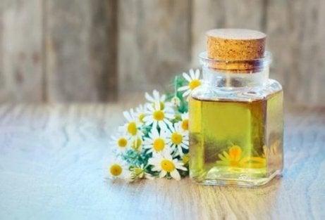 6 uleiuri care ameliorează durerile provocate de artrită