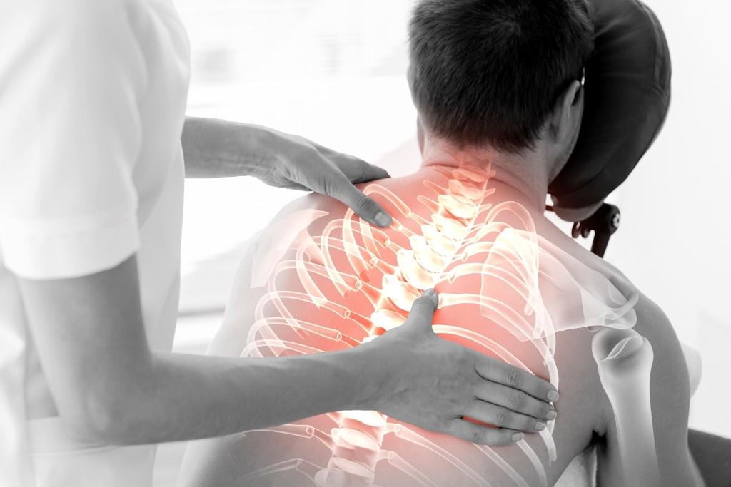 Terapeutul de masaj doare articulațiile mâinilor - thecage.ro