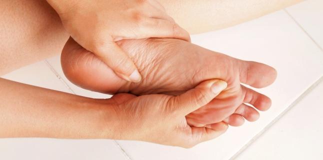 dureri de umăr amorțeala degetelor)