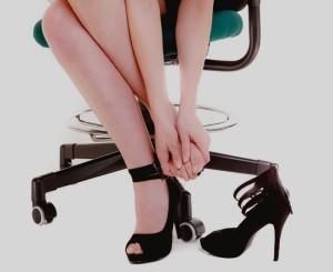 Poţi preveni CU ADEVĂRAT durerea provocată de pantofii cu toc?