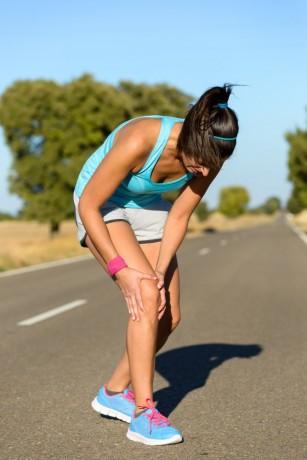 dureri de genunchi în timp ce alerga)