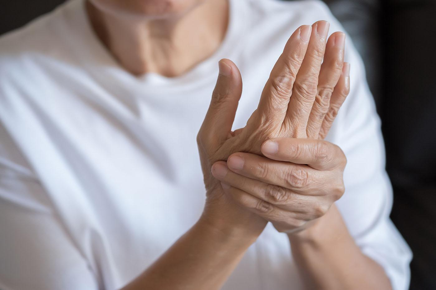 dacă articulația doare pe mâini