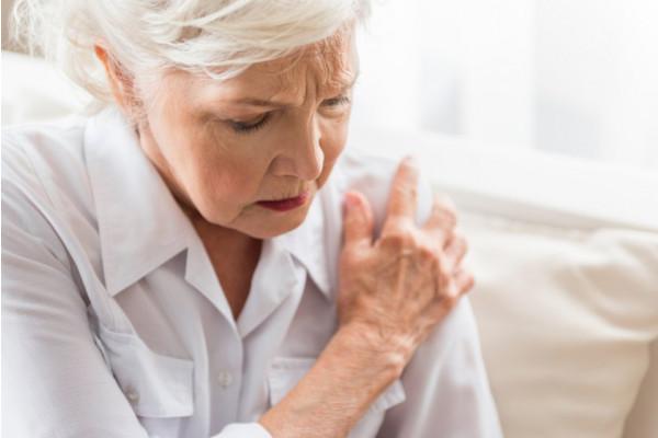 boală articulară la vârstnici