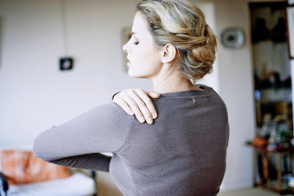 Lateral cauze ale durerii arzătoare în articulația umărului