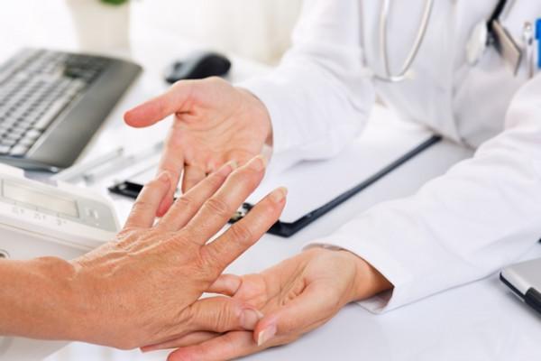 artrita 1 grad de tratament la mâini)