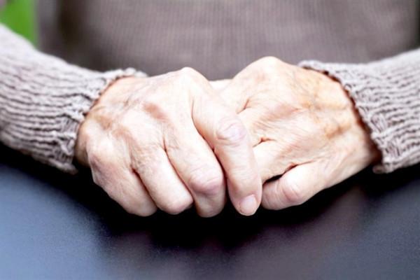 artrita mâini simptome tratament)