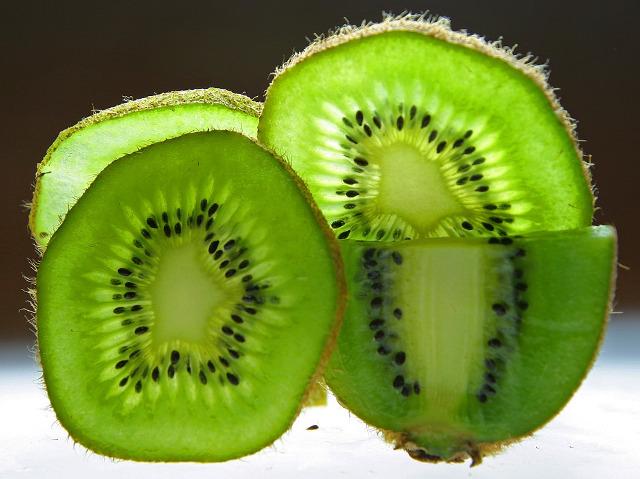 proprietăți vindecătoare de kiwi în bolile articulare)