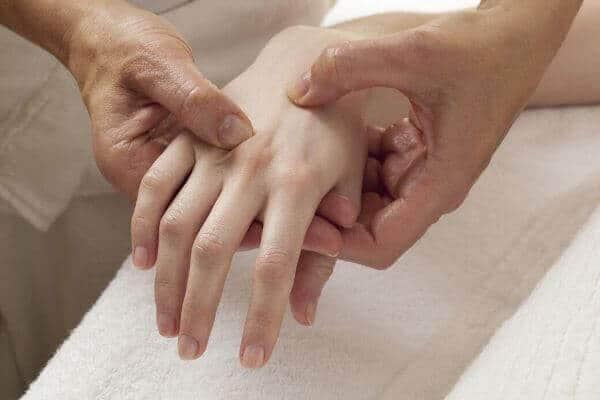 Poliartrita reumatoida | thecage.ro