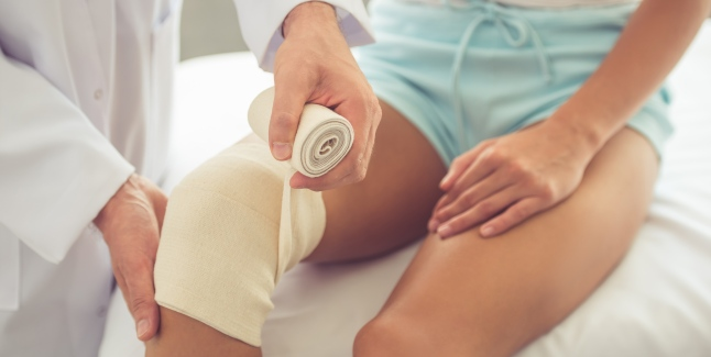 complicații după o leziune la șold soluție salină pentru inflamația articulației